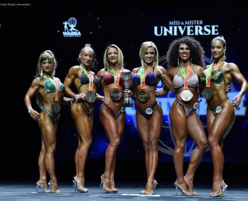 Foto di una gara di bodybuilding